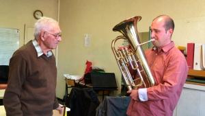 Valentin Conte, musicien, enseignant au conservatoire de musique de Bollène et Alain Robert retraité et défenseur de la langue provençale