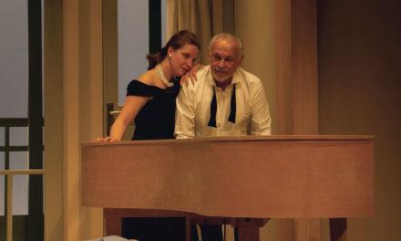 Vaucluse / Mondragon : Francis et Gersende Perrin sur les planches de la salle des fêtes
